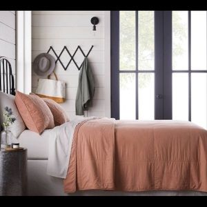 Magnolia Solid Copper Colored Quilt (King Size)